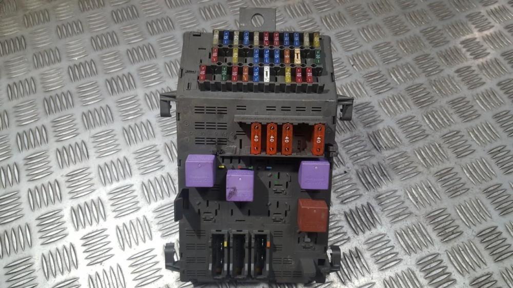 medium resolution of  fuse box renault laguna 1997 1 8 7703297639