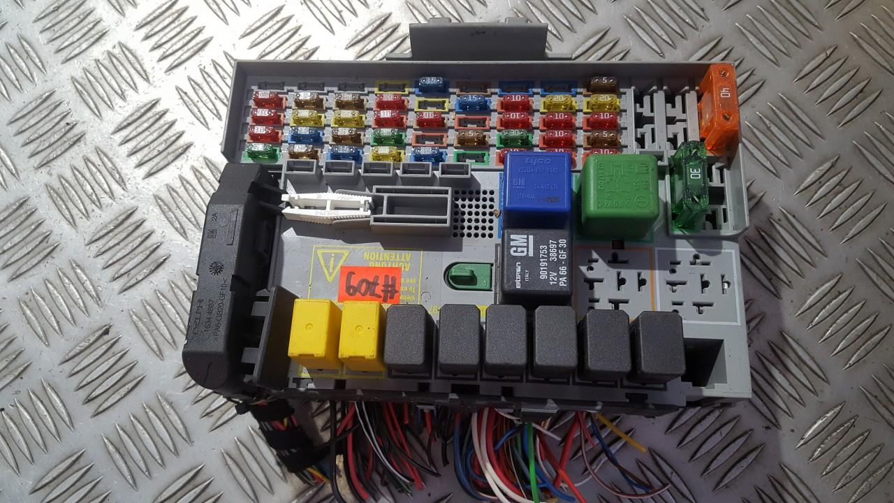 small resolution of  24412497 24431677 fuse box opel zafira 2001 1 7l 14eur eis00540567