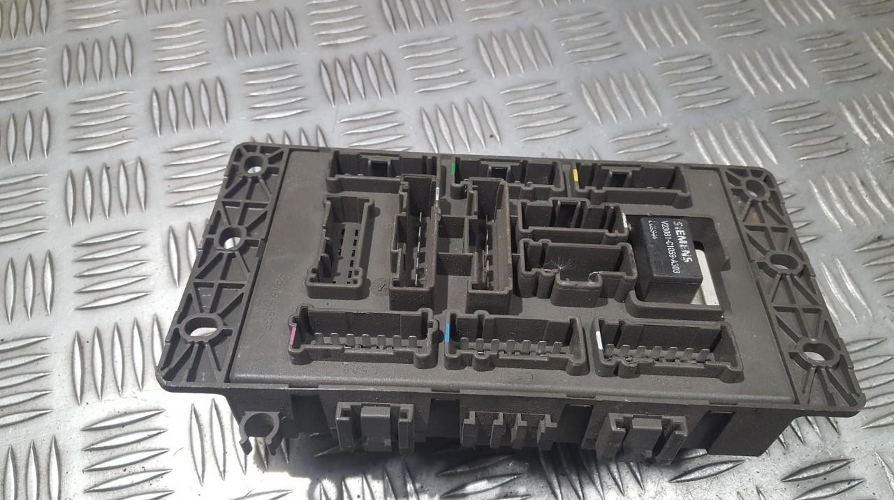 medium resolution of  518174503 103138 fuse box rover 75 2000 2 0l 18eur eis00548350