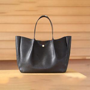 レザークラフト型紙_真鍮金具と革のトートバッグ