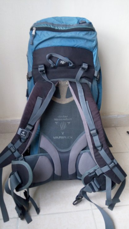45 L Hiking Backpack with Rain cover Backpackers Den