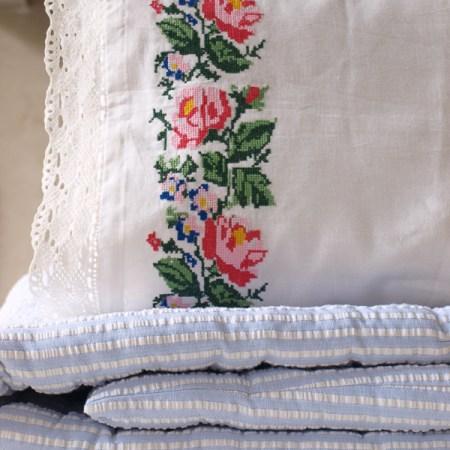 Traditionell bestickte Kissen, türkische, Nostalgie, kanaviçe yastık, kenar, dantel, eski, geleneksel,