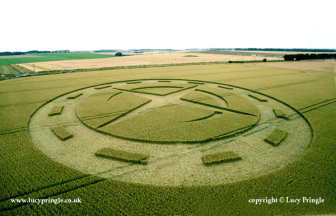 Winterbourne Stoke Down, Nr Stonehenge, Wiltshire. - 11 July 2015. Wheat. c.210ft (64m) Four pointed star overlaying a crescent formed from flattened wheat. Circumscribed by a ring of flattened wheat containing 13 areas of standing wheat.