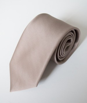 Cravate en satin gris clair