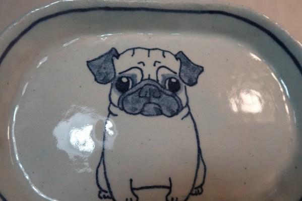 楕円皿 パグ