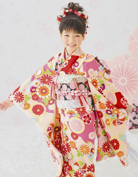 i529: 七五三兒童節日和服女人的孩子4個身體7歲淺駝色/紅色風車/花紋聚酯小孩和服日本製造2P13oct13_a   日本 ...