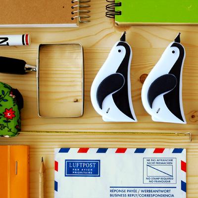 【楽天市場】【あす楽14時まで】 可愛い 文房具 おしゃれ 修正テープ ペンギン コレクション...