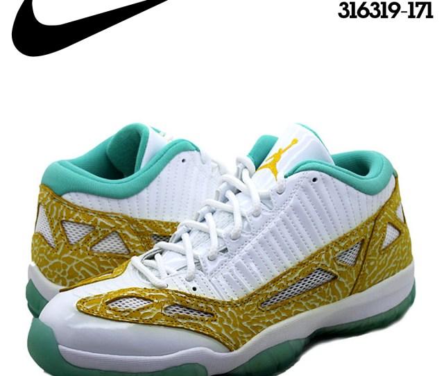 Nike Nike Air Jordan Sneakers Air Jordan  Retro Low Lswhite Varsity Maize Azure Air Jordan  Retro Low   White Gold Mens