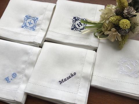 【楽天市場】コットンリネンのハンカチーフサムシングブルー イニシャル 名入れ 刺繍 ギフト ...