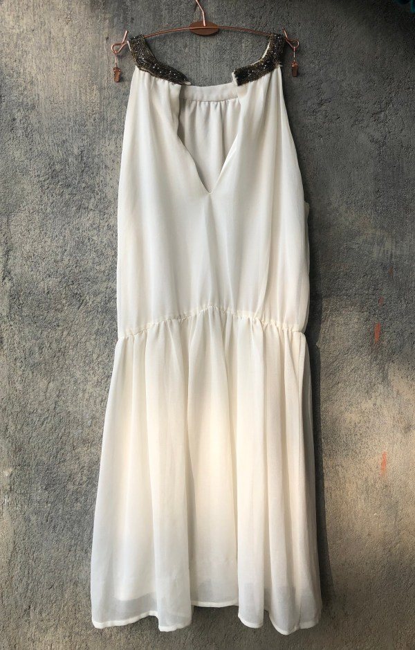 RootsandLeisure_Preowned_WhiteDress