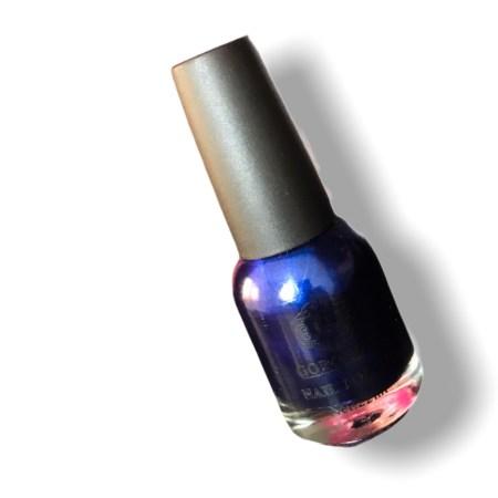 gorgeous royal blue nail polish