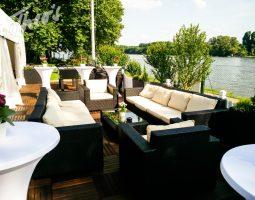 Geburtstag_Zelt_outdoor_Terrasse_lounge_dyckerhoff_geburtstag_stine-1024x803