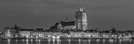 Panorama Grote Kerk in Dordrecht in zwart-wit | Tux Photography Shop