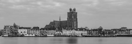 Panorama van Dordrecht met de Grote Kerk | Tux Photography Shop