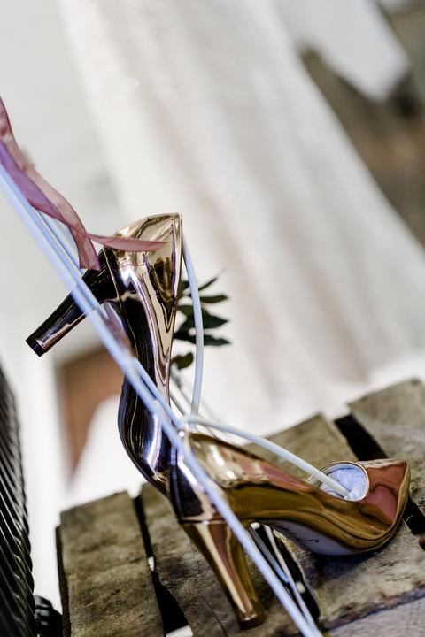 Brautschuhe rosegold metallic