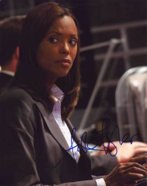 Aisha Tyler in-person autographed photo