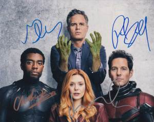 Avengers: Infinity War In-person autographed Cast Photo by 4
