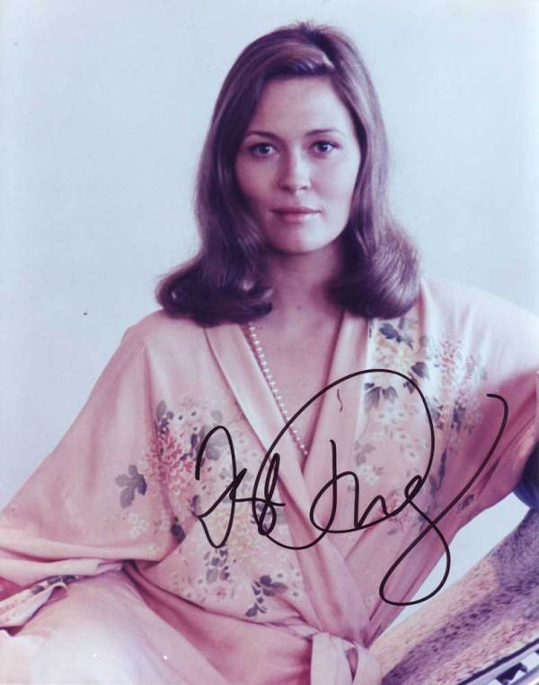 Faye Dunaway in-person autographed photo
