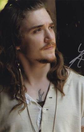 Kyle Gallner in-person autographed photo