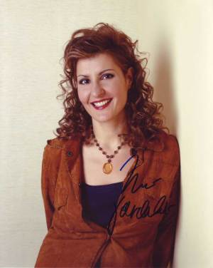 Nia Vardalos in-person autographed photo