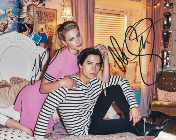 Riverdale In-person autographed Cast Photo by 2