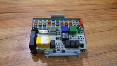 medium resolution of 24412497 24431680 fuse box opel astra 2003 1 7l