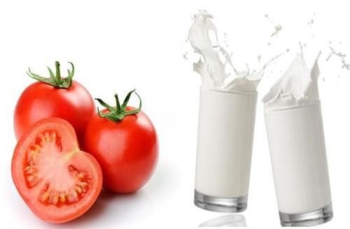 Trị nám hiệu quả bằng cà chua sữa tươi