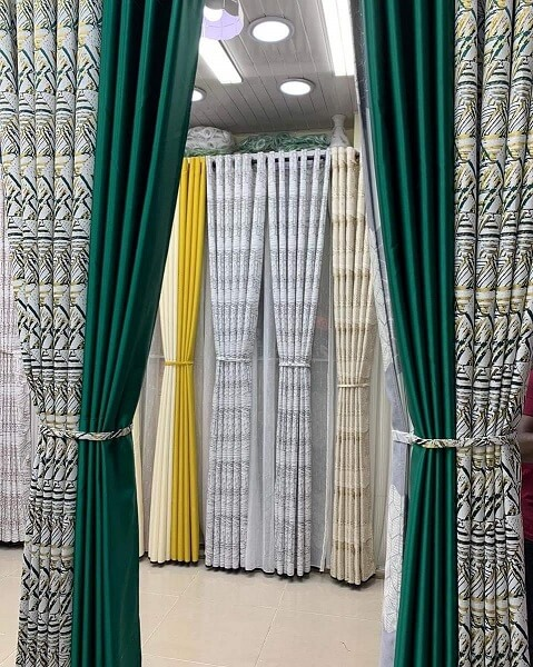 two tone curtain with floral and plain block color curtains