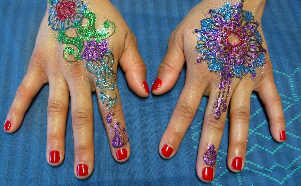 How to Add Glitter to Henna
