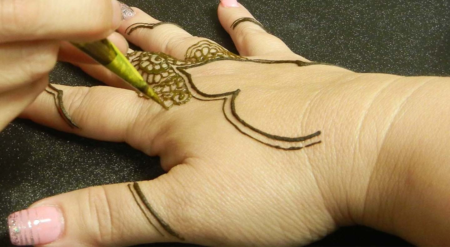 How can i learn to put beautiful henna/mehndi designs ...