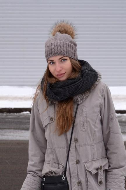 knit beanie with fur pompom
