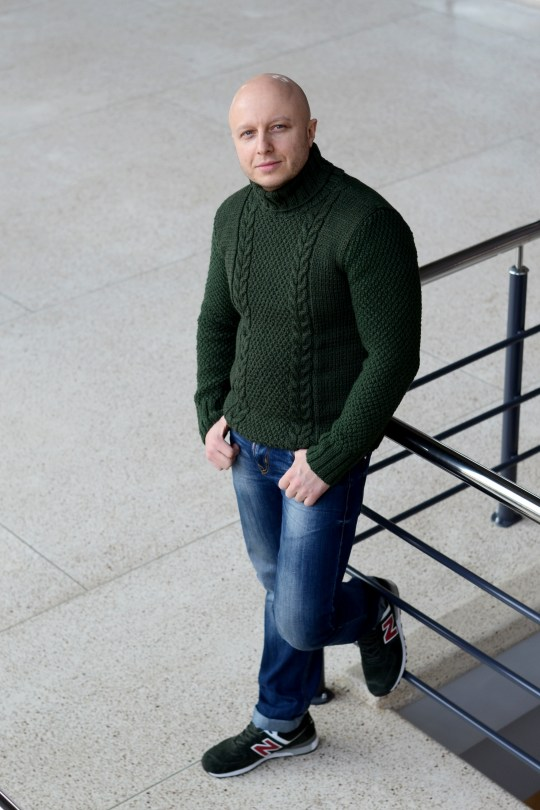 knitting sweater for men //ShopLaLune