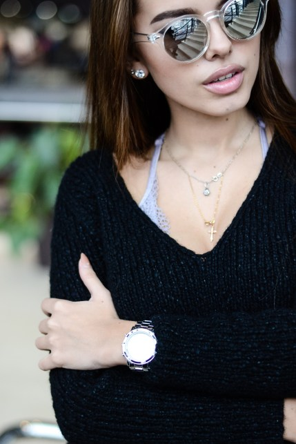 knit sweater with v-neck //ShopLaLune
