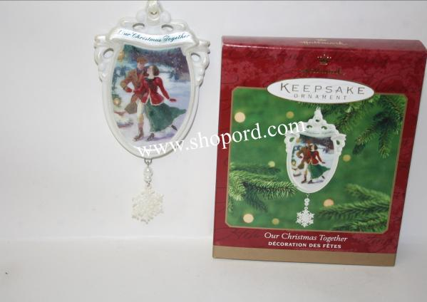 Hallmark 2000 Christmas Ornament Qx8054