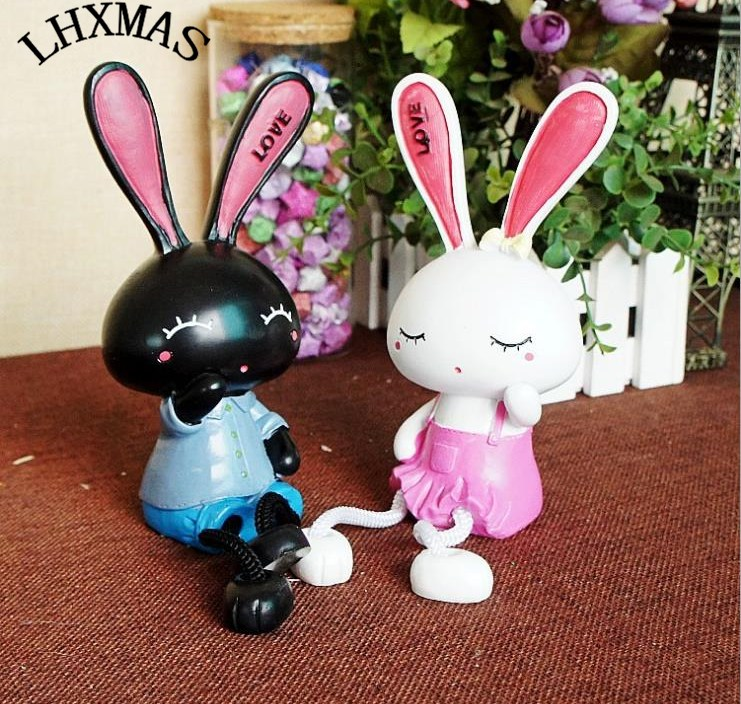 2pcs/set Fashion Resin Figurine Rabbit Couple Dolls Miniature Fairy Landscape Crafts For Home Design Kids Birthday Gifts E386