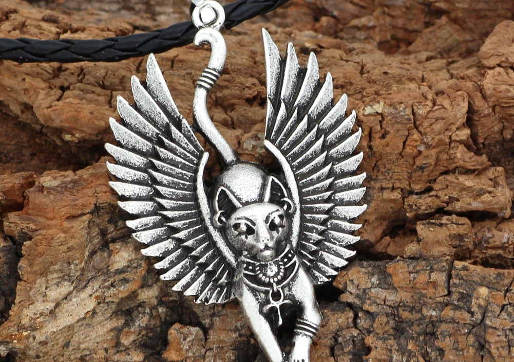 Fund Egypt Myth Ancient Egypt Cat God Wing Man Pendeloque Cut Necklace Jewelry Tide Amulet