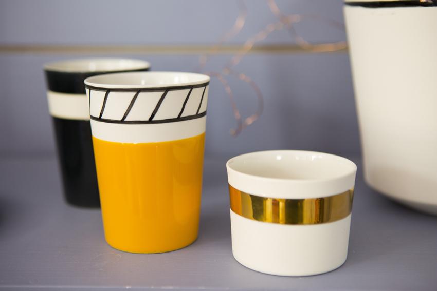 Des céramiques peintes à la main designé par Rosaria Rattin.