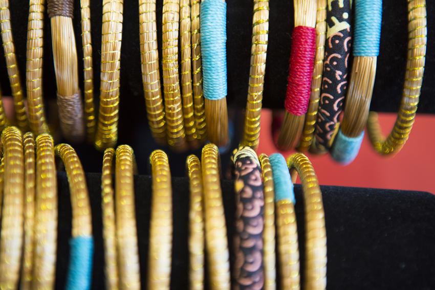 Gaieté, poésie et couleurs sont un peu la marque de fabrique de Mademoiselle Fred, et ce même avant de pousser la porte d'entrée.