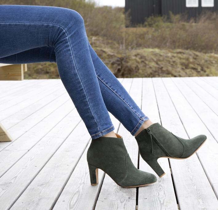 Bobbies, boots vert empire.