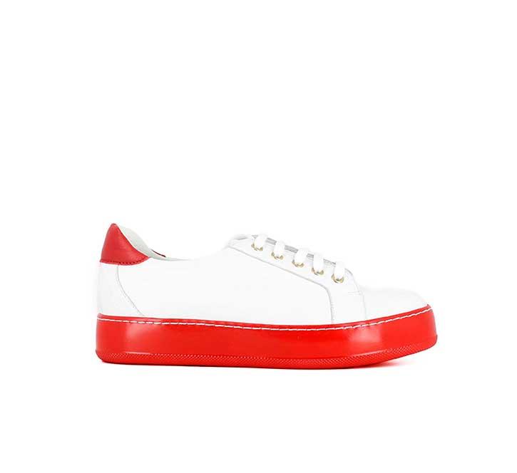 JONAK, nouvelle collection, basket blanche MATT, semelle épaisse rouge. 95 €