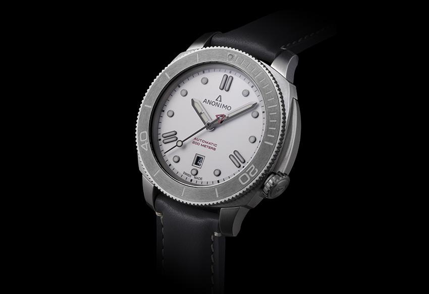 L'horloger Anonimo habille la Nautilo d'un cadran pavé d'or blanc