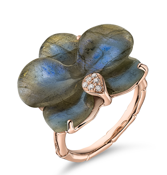 Guérin Joaillerie X Léonard Paris, Collection Muse Orchidée, labradorite et diamant 1500 €.