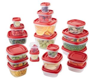 Rubbermaid Easy Find Lids stack together, or affix to the bottom of the containers. A sensibly designed set.