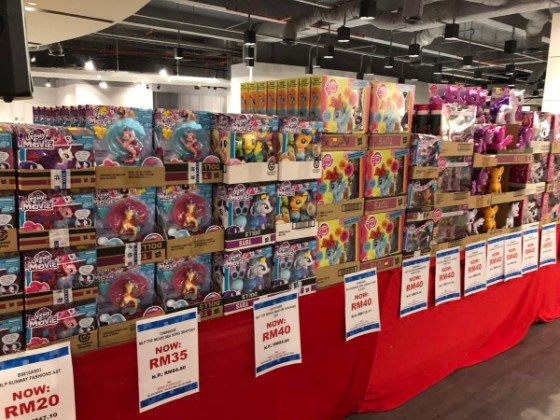 Hasbro-Warehouse-Sale-2018-6