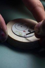 Jaquet-Droz-Petite-Heure-Minute_Edição-Limitada-Ano-Novo-Chinês-do-Galo_Pintura-em-Esmalte