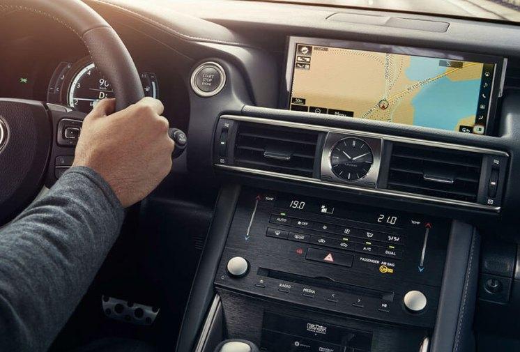 lexus-is300h-f-sport-o-automovel-que-nos-deixa-emocionados_9