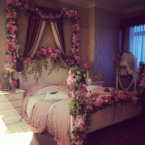 feminine adult bedroom pink 3 Steps To A Girly Adult Bedroom - shoproomideas