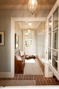5 Ways To Decorate A Narrow Hallway