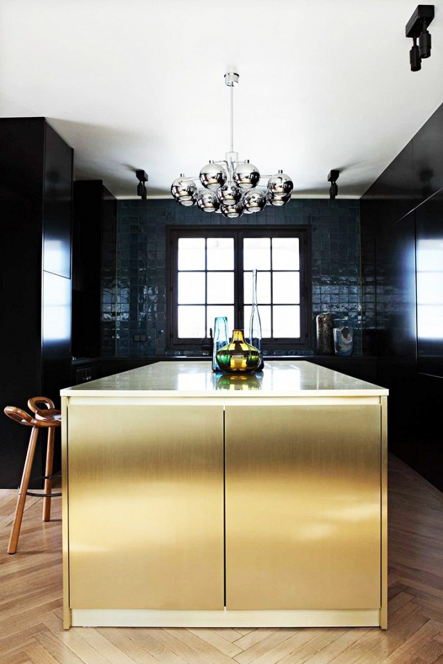 Whats Hot 8 Beautiful Gold Brass and Hammered Metal