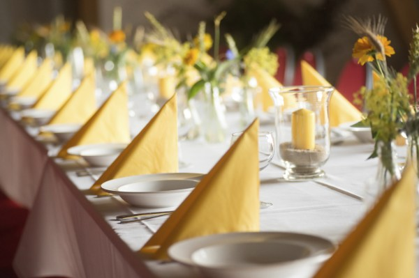 Get your formal dinner linens ready for Easter now - ShopRTO